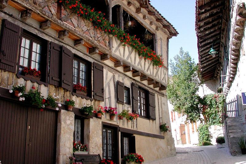 Le bourg castral de Cancon