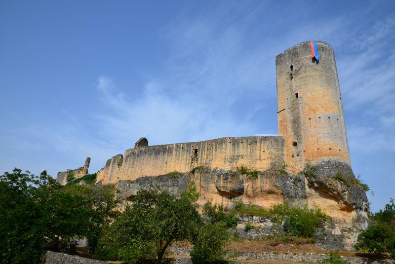 La vallée de Gavaudun, son château