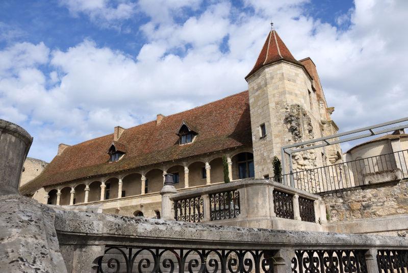 Le château-musée Henri IV