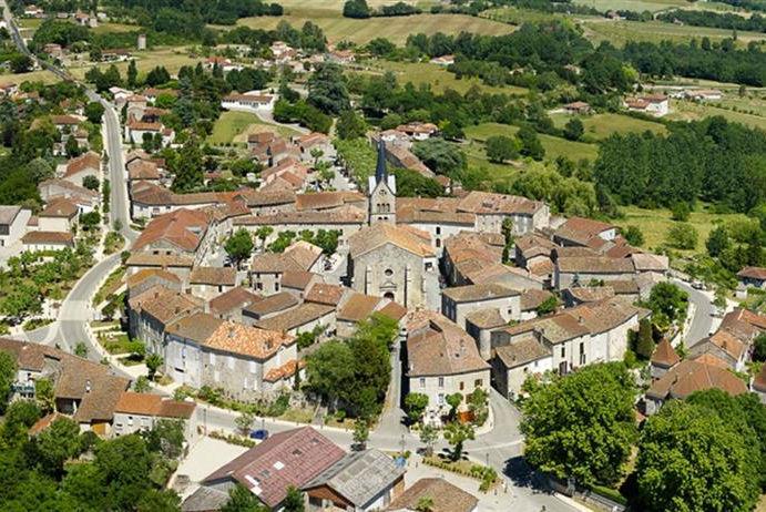 Le village de Prayssas